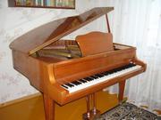Продаю кабинетный рояль